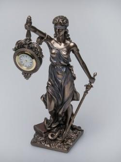Часы Фемида