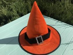 Шляпа детская Ведьмочки с серебряной пряжкой оранжевая