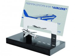 Подставка под визитки с самолетом