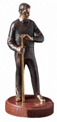 Статуя из бронзы Бильярдист