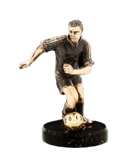 Фигурка из бронзы Футболист с мячом