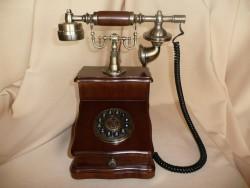 Телефон-ретро 953