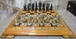 Набор Шахмат Запорожская Сечь с деревянной доской