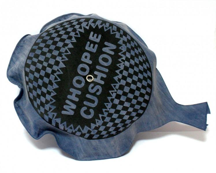 Подушка пердушка 15cм синяя