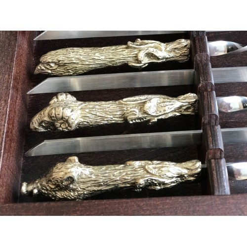 Комплект шампуров Охотничий трофей с рюмками, в кейсе из натурального дерева