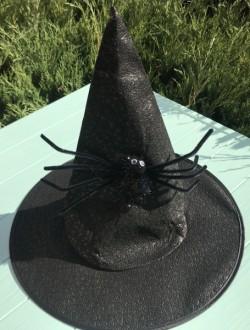 Колпак ведьмочка с большим пауком