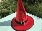 Шляпа детская Ведьмочки с серебряной пряжкой красная
