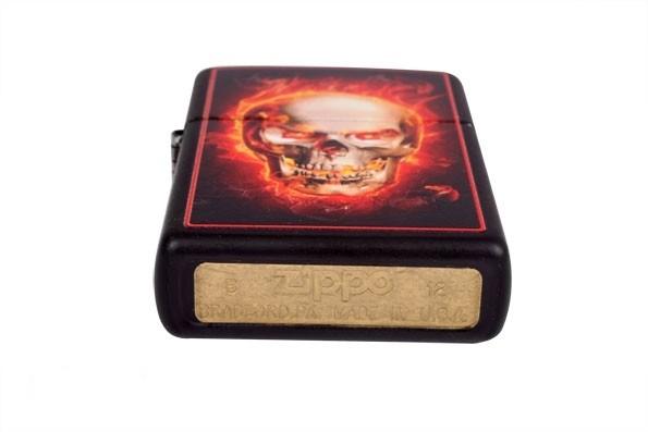 Зажигалка ZIPPO 28307 LIGHTER BURNING SKULL BLACK MATTE