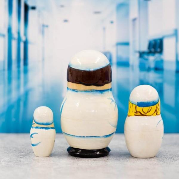 Матрешка 3 кукольная Врач 11 см