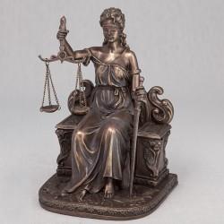Статуэтка Фемида на троне 18 см