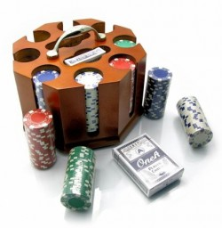 Покерный набор в деревянной подставке на 200 фишек
