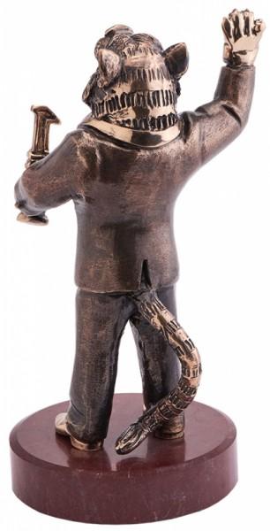 Скульптура из бронзы Лидер