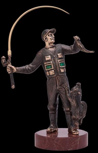 Статуя из бронзы Рыбак