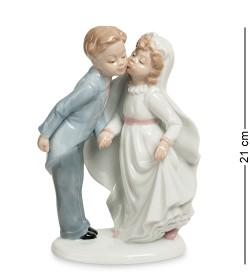 Статуэтка пара Торжественный поцелуй Pavone