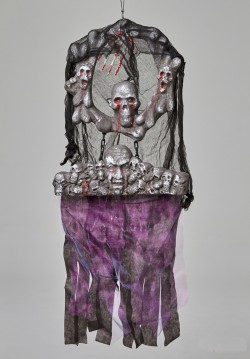 Подвесной декор Круг с черепами