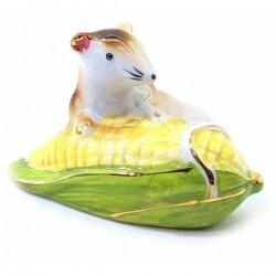 Мышь на кукурузе фарфоровая символ достатка