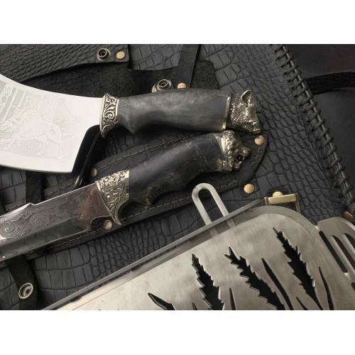 Решетка Лев с ножом и топориком