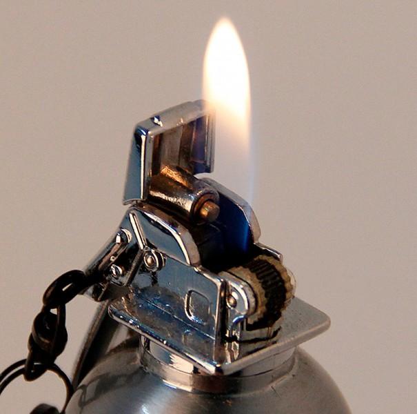 Зажигалка ручная граната