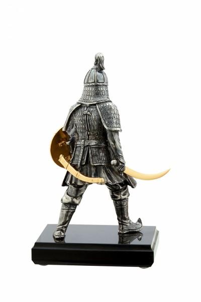 Статуя из бронзы Воин золотой орды