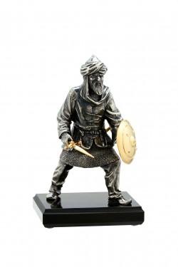 Статуя из бронзы Сарацин с мечом