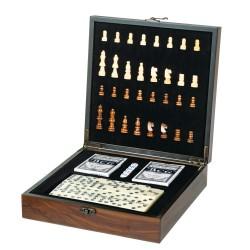 Игровой набор 3 в 1  шахматы, карты, домино