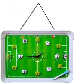 Часы - магниты футбольное поле