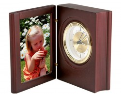 Часы с рамкой для фотографии