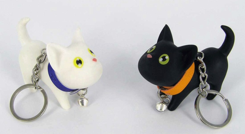 Кошка с ошейником - брелок(2 вида)