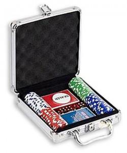 Набор для игры в покер на 100 фишек с номиналом