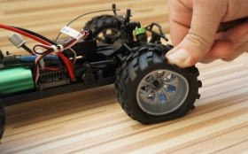 Автомобиль Ghost PRO 1/18TH SCALE 4WD brushless OFF-ROAD TRUGGY