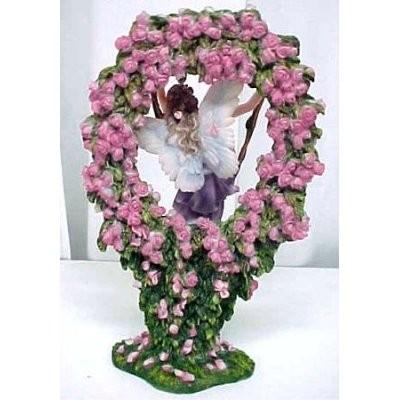 Статуэтка хранительницы ворот сказочного мира