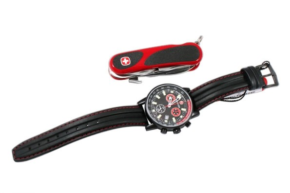 Набор наручые часы Wenger Commando Chrono 70731.XL и нож EvoGrip 1 17 59 821