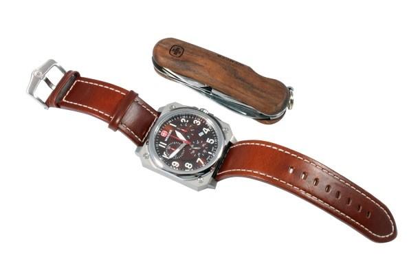 Набор наручные часы Wenger AeroGraph Cockpit Chrono 77014 и нож EvoWood 1 17 09 830
