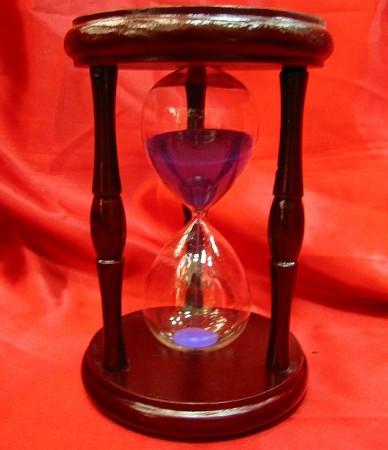 Часы песочные в дереве Z-21861