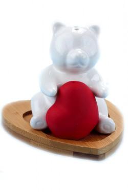 Солонки с бамбуковой подставкой Мишка с сердечком