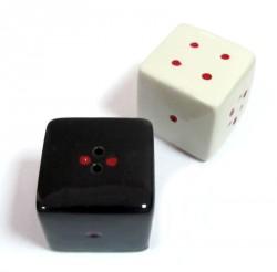 Солонки кубики белое на черном