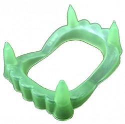 Зубы вампира со светонакопителем на блистере