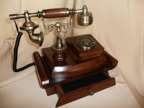Телефон-ретро 310