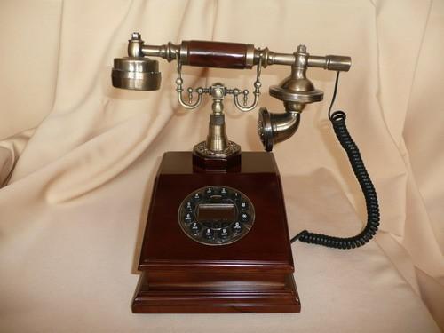 Телефон-ретро 930