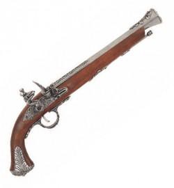 Пистолет британский, XVIII век, украшен серебром