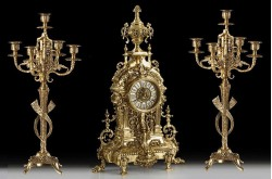 Набор Virtus. Часы настольные + пара канделябров Vega на 5 свечей