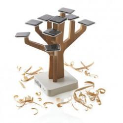 Солнечное дерево на солнечных батареях