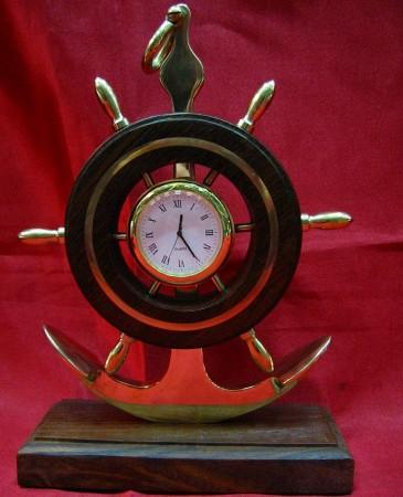 Часы с якорем и штурвалом бронза